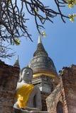 Die Ruinen von Wat Yai Chai Mongkon Lizenzfreie Stockbilder