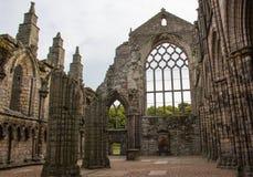 Die ruinierten Überreste einer Abtei stockfotos