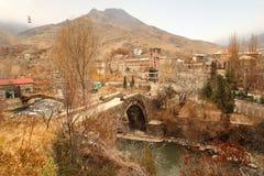 Die Sanahin-Brücke mit Zahl der Katze in Lori-Region, Armenien Stockfotografie