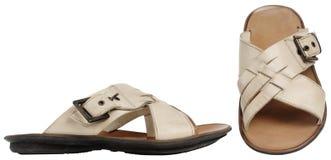 Die Sandalen des beige Mannes Stockfotografie