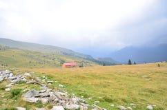 Die schöne Ansicht von Transalpina Lizenzfreie Stockbilder