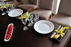 Die schöne Dekoration der festlichen Tabelle für Gäste mit Florida Stockfoto