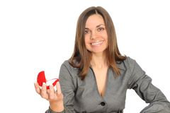 Die schöne Frau mit dem geöffneten Geschenk, Lizenzfreie Stockfotografie