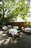 Die schöne Gartengaststätte Stockfotos