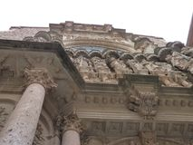 Die schöne Kathedrale für Montserrat stockfotos