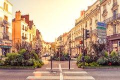 Die schöne Straße in der Stadt von Blois, Frankreich Stockbilder