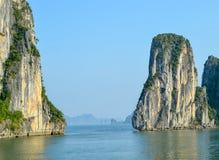 Die schönen Halong-Bucht Karsts Stockfoto