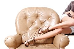 Die schönen langen Beine der Frau lizenzfreies stockfoto