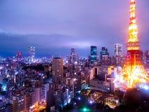 Die schönen Lichter der beschäftigtsten Stadt in der Welt lizenzfreies stockfoto