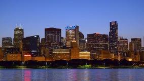 Die schönen Skyline von Chicago am Abend stock video