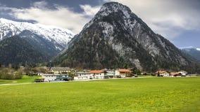 Die schönen szenischen Alpen des Europas Stockfoto