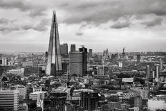 Die Scherbe - London-Skyline stockbild