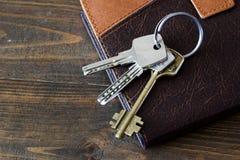 Die Schlüssel zur Tür zum Tagebuch Stockfotografie