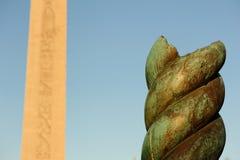Die Schlange-Spalte und der Obelisk von Thutmosis III Stockfotos