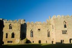Die Schlosswände von ludlow lizenzfreie stockbilder