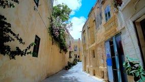 Die schmale Straße, Rabat, Malta stock footage