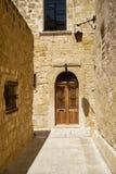 Die schmale Straße von Mdina, die alte Hauptstadt von Malta Lizenzfreie Stockfotos
