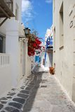 Die schmalen Straßen auf der Insel von Mykonos Lizenzfreies Stockfoto
