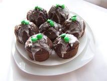 Die Schokoladenkleinen kuchen Stockfotos
