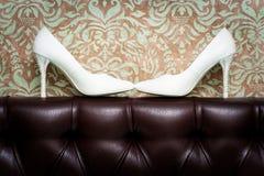 Die Schuhe der weißen Frauen Stockbild