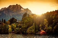 Die Schweiz-Alpen-Sonnenaufgang Stockfotografie