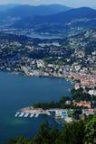 Die Schweiz: Ansicht vom Berg Bré zur Stadt von Lugano lizenzfreies stockfoto