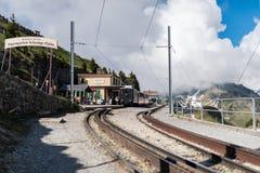 Die Schweiz-Zahnradbahnzüge in der Station Lizenzfreie Stockfotografie