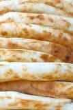 Die Scones aus dem Ofen heraus panieren weißen Hintergrund für den Aufkleber stockfotografie