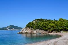 Die Seeansicht Schöne Lagune an einem sonnigen Tag montenegro ADRIATISCHES MEER Lizenzfreie Stockfotos