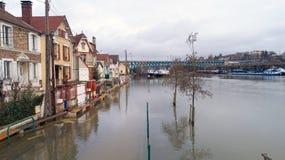 Die Seine überschwemmt in Conflans Sainte Honorine, am 30. Januar stockbilder