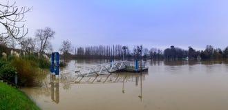 Die die Seine-Überschwemmung in der Paris-Region lizenzfreie stockbilder