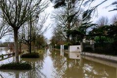 Die die Seine-Überschwemmung in der Paris-Region lizenzfreie stockfotos