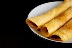 Die selbst gemachten Pfannkuchen, die von der Tapioka gemacht werden, bemehlen, Eier und Kokosmilch Passender Nachtisch für gesun Lizenzfreie Stockfotografie