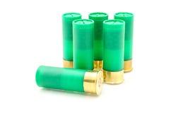 12 die shells van het maatjachtgeweer voor de jacht wordt gebruikt Stock Foto
