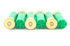 12 die shells van het maatjachtgeweer voor de jacht wordt gebruikt Stock Fotografie