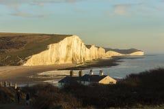 Die sieben Schwestern ist Reihen Kreideklippen durch den Ärmelkanal Sie stellen Teil Süd- Abstiege in Ost-Sussex dar stockfoto