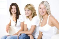 Die Sitzung der Frauen Lizenzfreie Stockfotografie