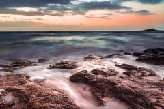 Die sizilianische Küste bei Sonnenuntergang Lizenzfreies Stockfoto