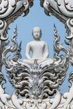 die Skulptur von Buddha bei Wat Rongkhun Temple Stockfotografie