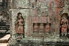 Die Skulpturen in Angkor Wat von Kambodscha stockfotografie