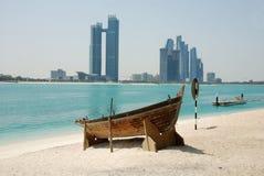 Die Skyline von Abu Dhabi Stockbild