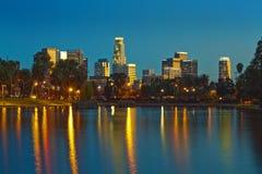 Die Skyline von Los Angeles reflektierten sich im Echo-Park