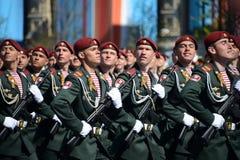 Die Soldaten seiner Abteilung Dzerzhinsky-Truppen des nationalen Schutzes auf der allgemeinen Paradewiederholung im roten Quadrat Lizenzfreies Stockfoto