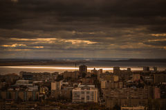 Die Sonne über dem Volga stockbilder