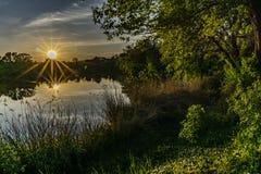 Die Sonne geht unter stockfotos