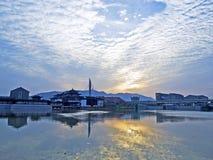 Die Sonne und der Kanal Lizenzfreie Stockfotos