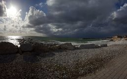Die Sonne und der Sturm stockfotos