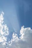 Die Sonnenstrahlen des Himmels Stockfoto