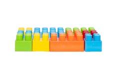 Die Spielwaren der bunte Kinder, Plastikbausteine Lizenzfreie Stockbilder