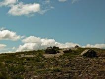 Die Spitze des Stein-horley und der Himmel mit Wolken stockfoto
